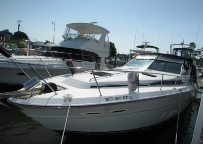 39′ 1989 Sea Ray 390 Express