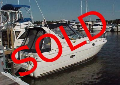 30′ 1998 Cruisers Yachts 3075 Rogue